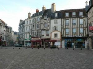 Place Charles-de-Gaule à Poitiers